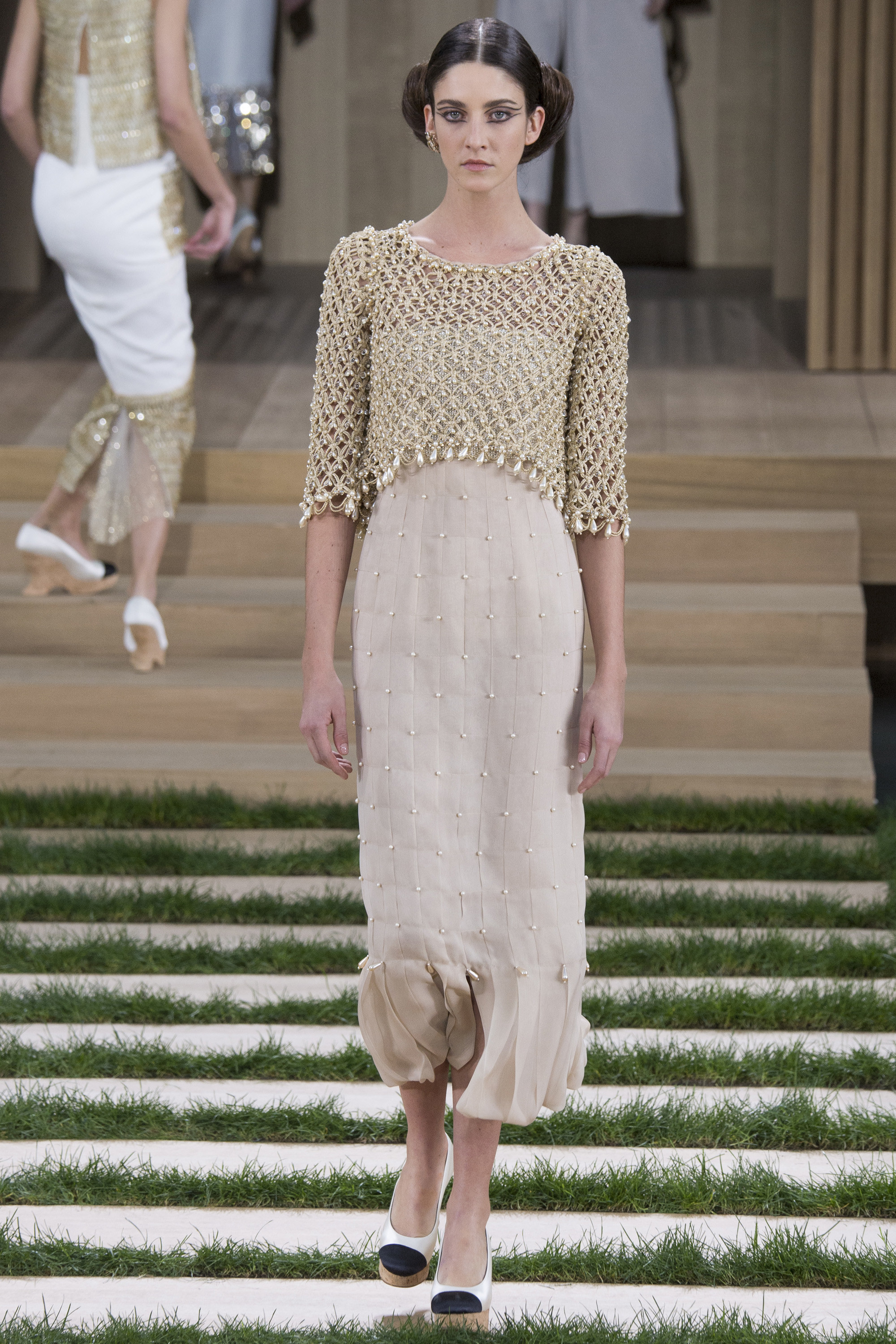 Chanel spring 2016 couture collection mikado for La couture clothing