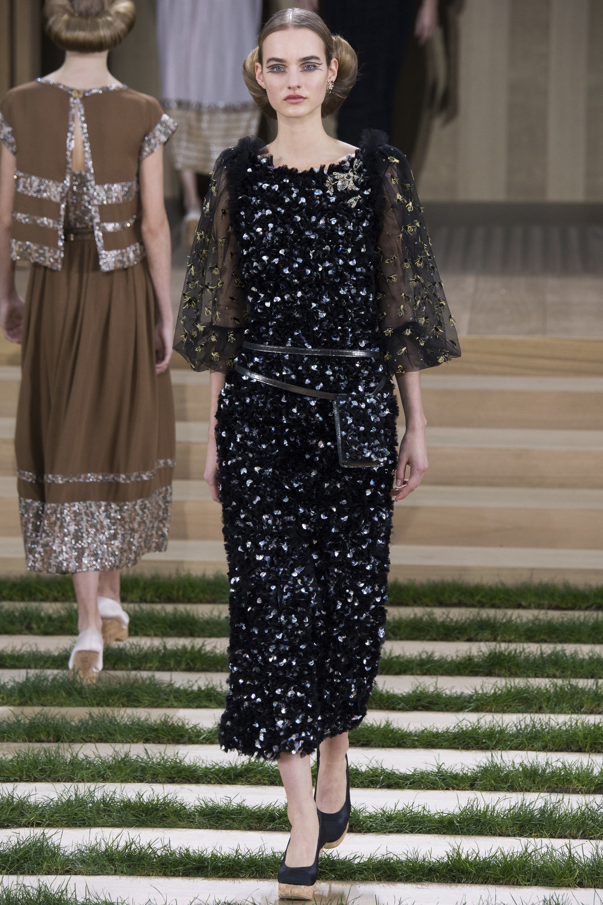 chanel spring 2016 couture collection mikado. Black Bedroom Furniture Sets. Home Design Ideas