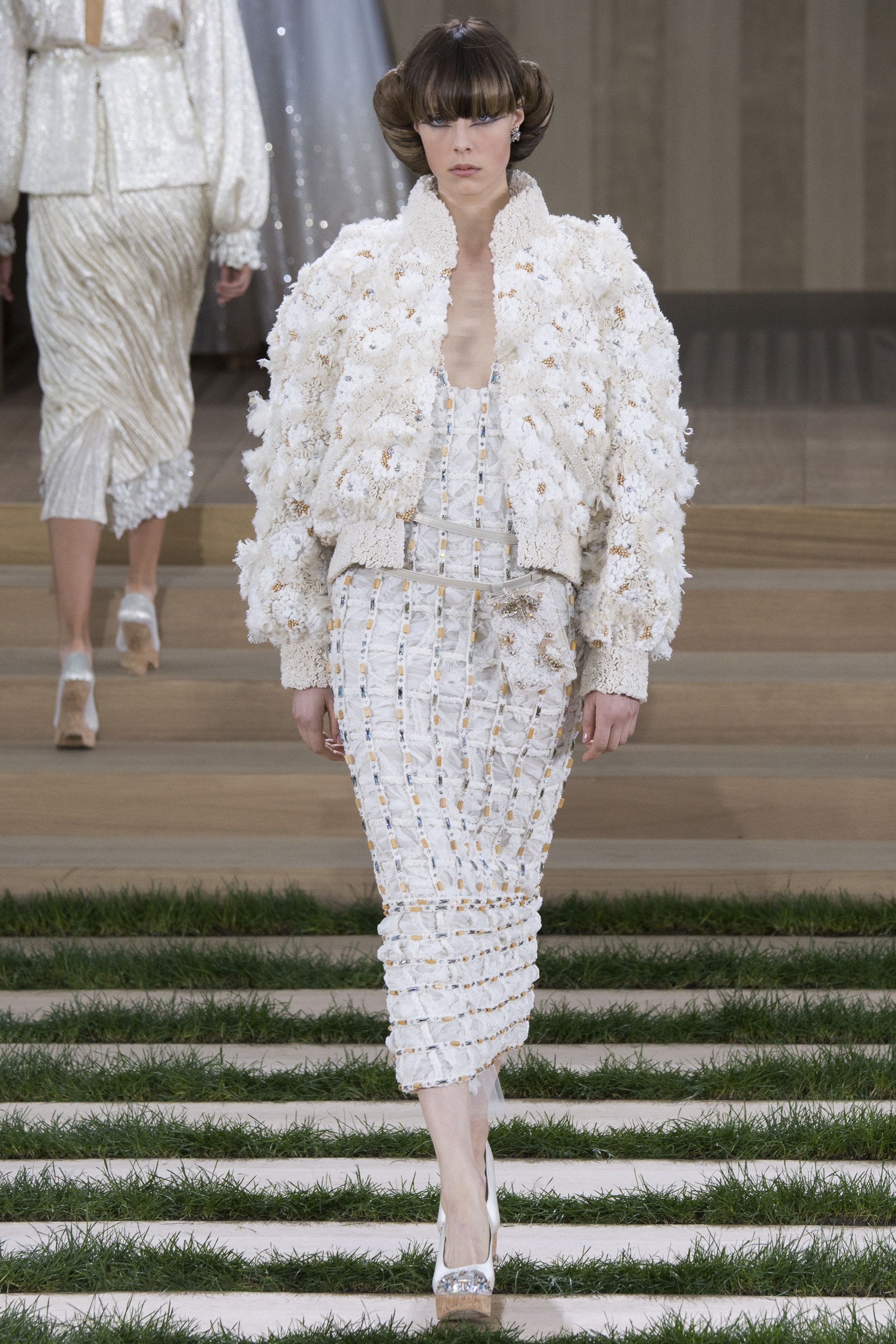 Chanel spring 2016 couture collection mikado for Haute couture houses 2016