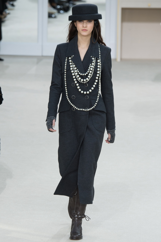Chanel Fall 2016 Collection Mikado