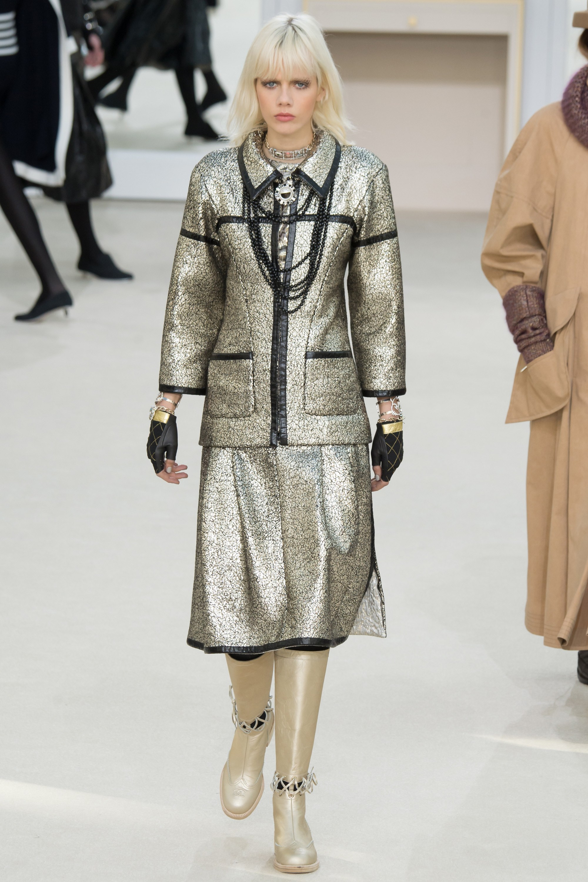 8ef826222ad Chanel Fall 2016 Collection