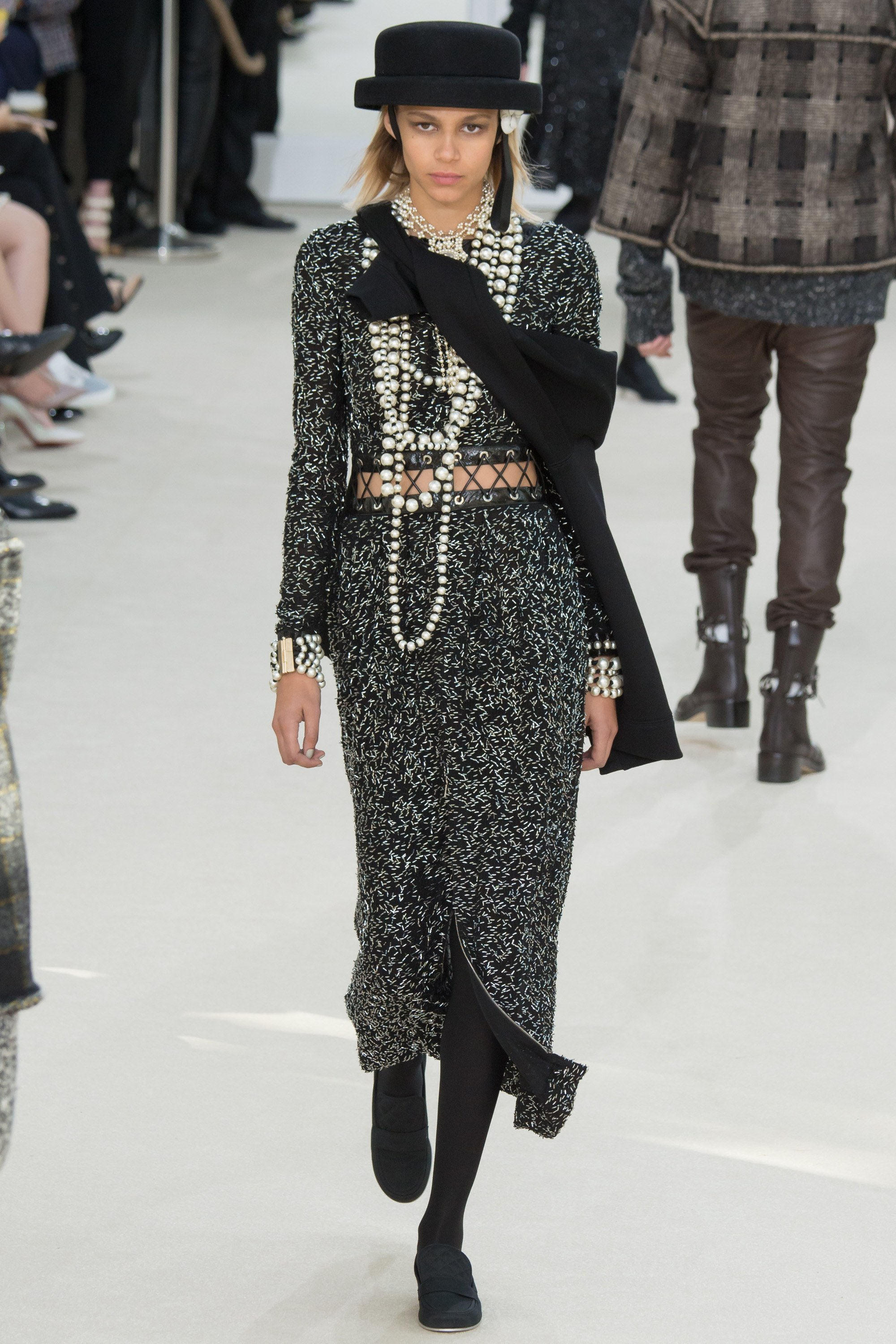 Chanel Fall 2016 Collection Mikado